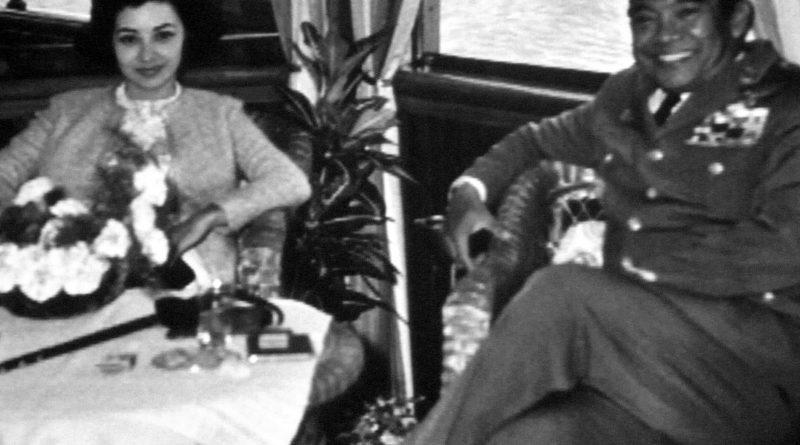 Титов снимак индинежанског премијера Сукарна са супругом