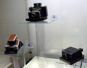 Део колекције Титових скупоцених фотоапарата