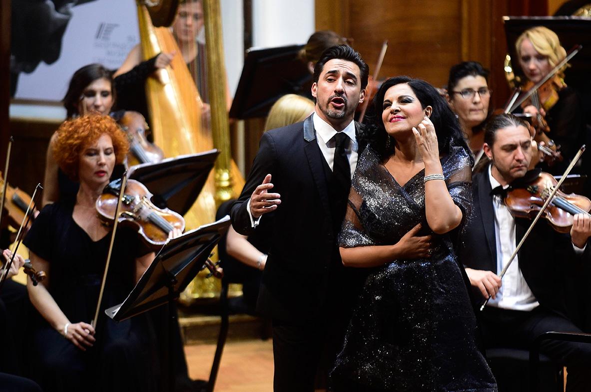 soprana Angela Gheorghiu şi tenorul Charles Castronovo